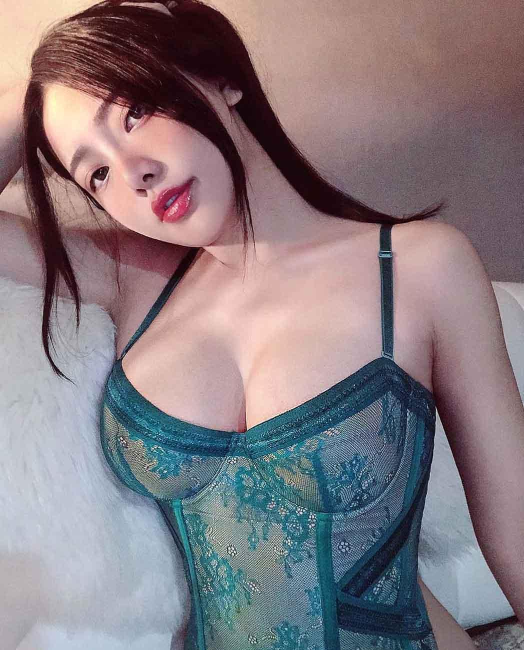 AsiaCharm Sexy Lady